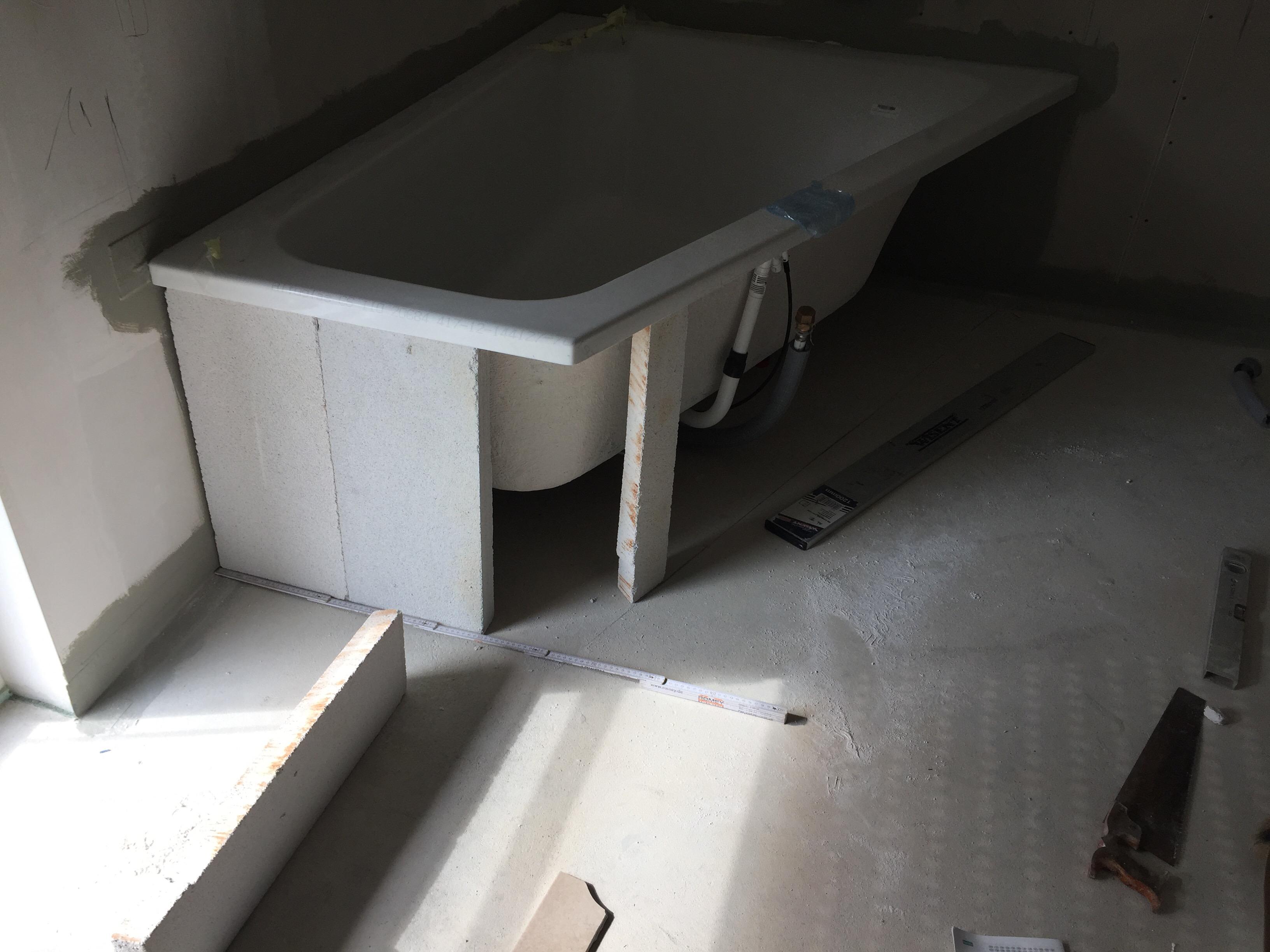 badewanne mauern best with badewanne mauern stunning badewanne einmauern ideen das genial und. Black Bedroom Furniture Sets. Home Design Ideas
